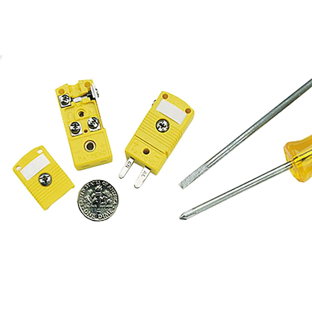 Connecteurs miniatures à faible bruit