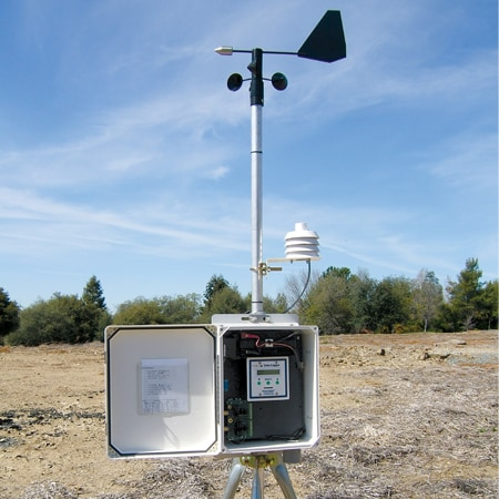 Modular Weather Monitoring and Data Storage Stations