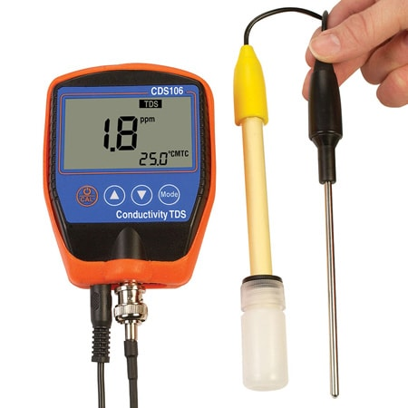 Portable Conductivity, TDS, Temperature and Salt Meter